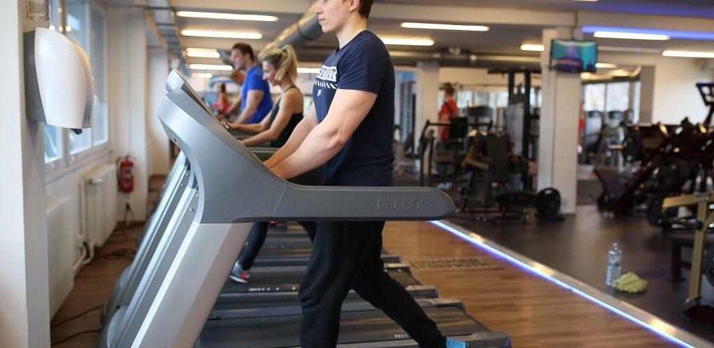 Podaná ruka: Pulse Fitness Club